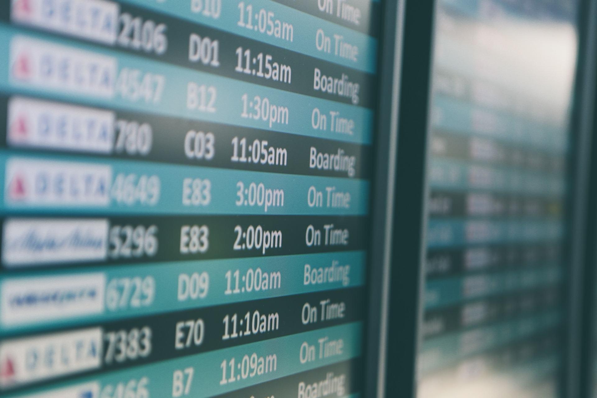 Flughafen Ankunft und Abflugzeiten